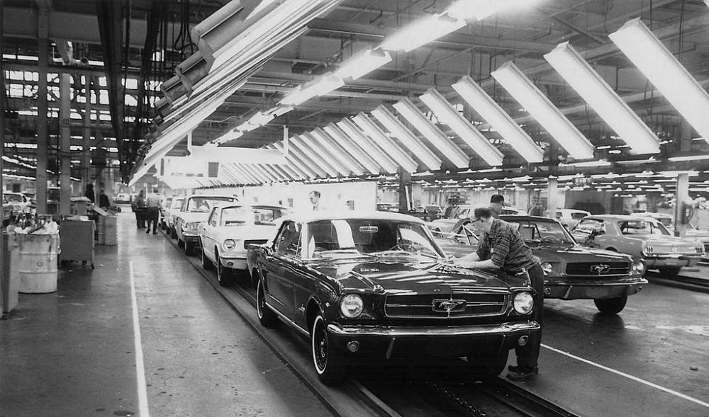 196X-Ford-Mustang-assembly-line-a_zpsu2ptwbwq.jpg